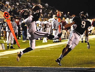 11-19-10  --hillgrove at camden co 06--  Hillgrove's Jojo Marshall makes the catch for the Hawks second touchdown of the game against Camden County on Friday night.  STAFF/LAURA MOON.