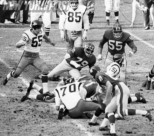 Sam Huff of the Redskins causes Giants Steve Thurlow to fumble!