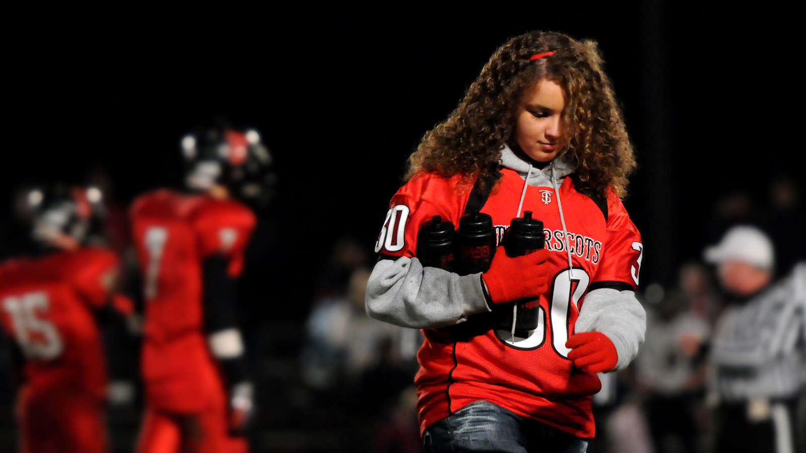 Football water girl2