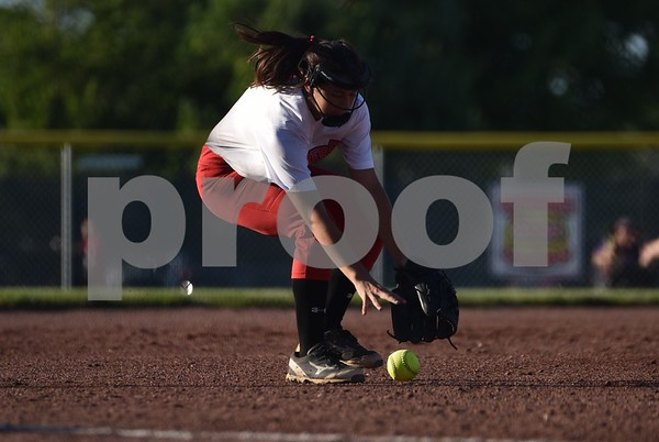 Fort Dodge Dodgers vs Johnston Dragon during Varsity double header on Wednesday 15, 2016 at Harlan Rogers Sports Complex