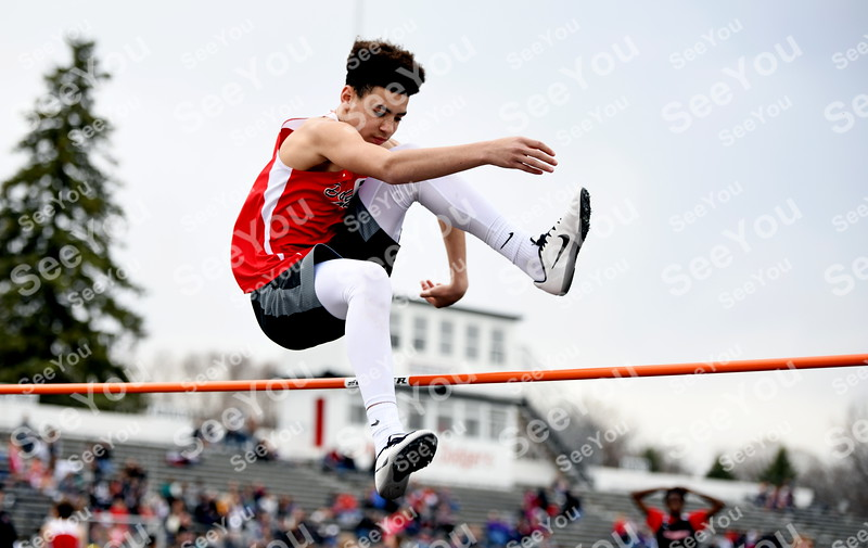 -Messenger photo by Britt Kudla<br /> Javion Jondle of Fort Dodge compete in the High Jump during Dodgers Relays on Monday