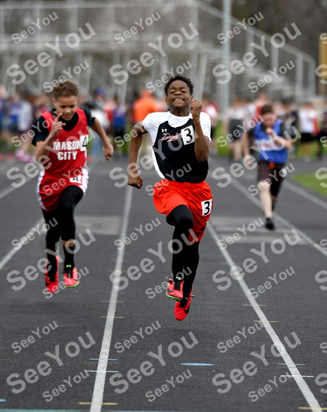 -Messenger photo by Britt Kudla<br /> Damarious Clark of Fort Dodge compete in the 100 meter dash during Dodgers Relays on Monday