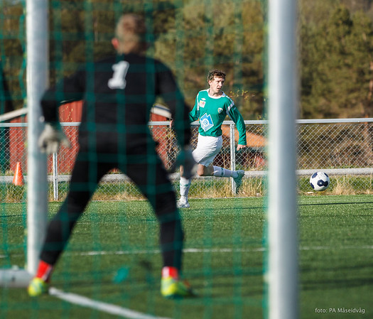 2014-04-30 Senior, seriekamp, MSIL-Stordal 1-2