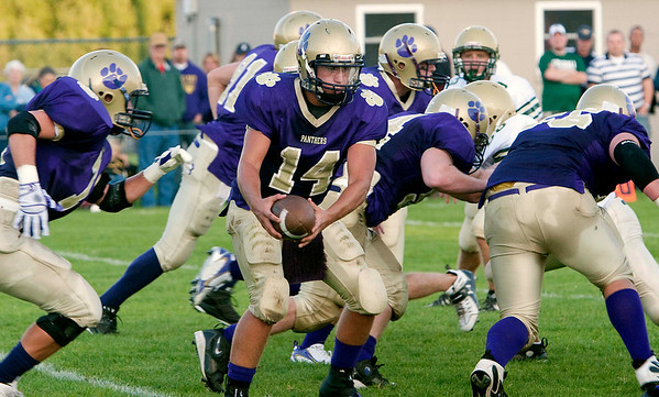 Record-Eagle/Douglas Tesner<br /> <br /> Football Frankfort vs Muskegon Catholic