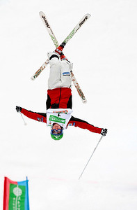 Référence : in09-dmom-01-0053 Theme  : FREESTYLE Style : ACTION People : MEN Discipline : DUAL MOGULS Racer's name : BILODEAU Alexandre Nationality : CAN Place : INAWASHIRO (JPN) 2009 Event : FIS WORLD CHAMPIONSHIPS Copyright : AGENCE ZOOM