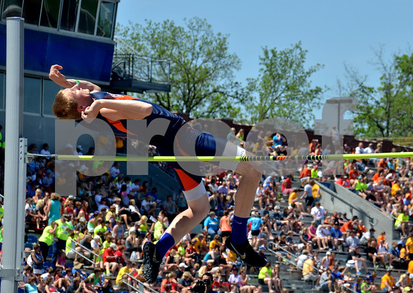 -Messenger photo by Britt Kudla<br /> Jackson Johnson of Manson NW Webster compete in the 2A High Jump on Friday at Drake Stadium
