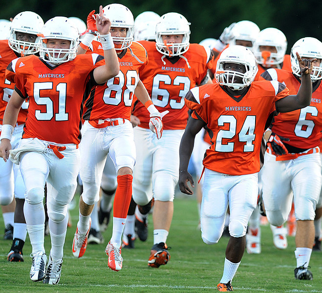 The Mauldin Mavericks played host to the Hanna Yellow Jackets in a Class AAAA football game.<br /> GWINN DAVIS PHOTOS<br /> gwinndavisphotos.com (website)<br /> (864) 915-0411 (cell)<br /> gwinndavis@gmail.com  (e-mail) <br /> Gwinn Davis (FaceBook)