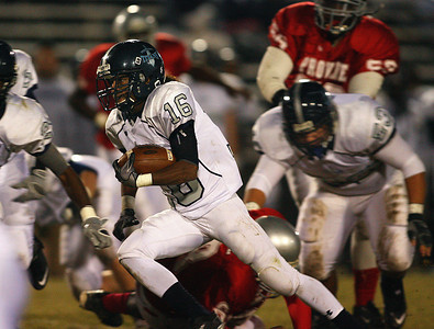 Ridgeland's Jordan Bush takes off on a long run.