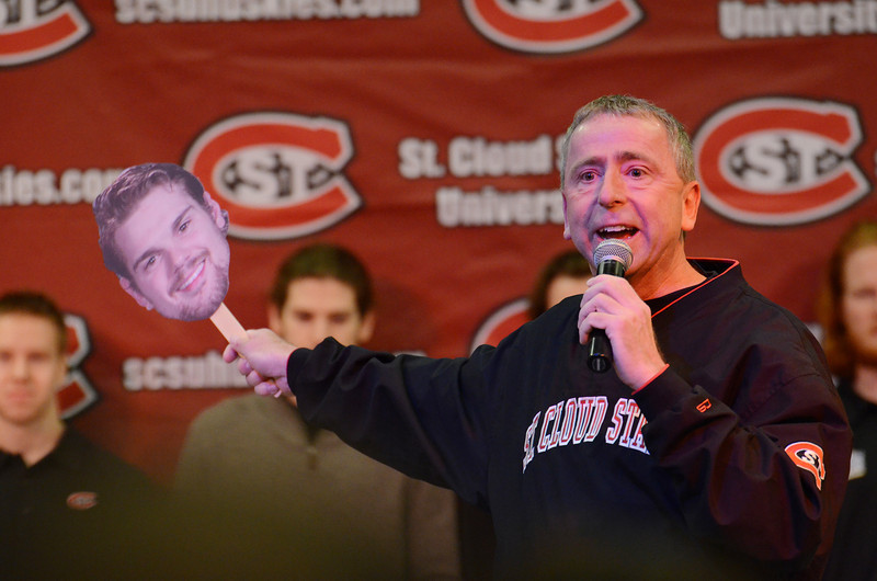 St. Cloud Mayor Dave Kleis '89, declares this week St. Cloud Husky Hockey Week.
