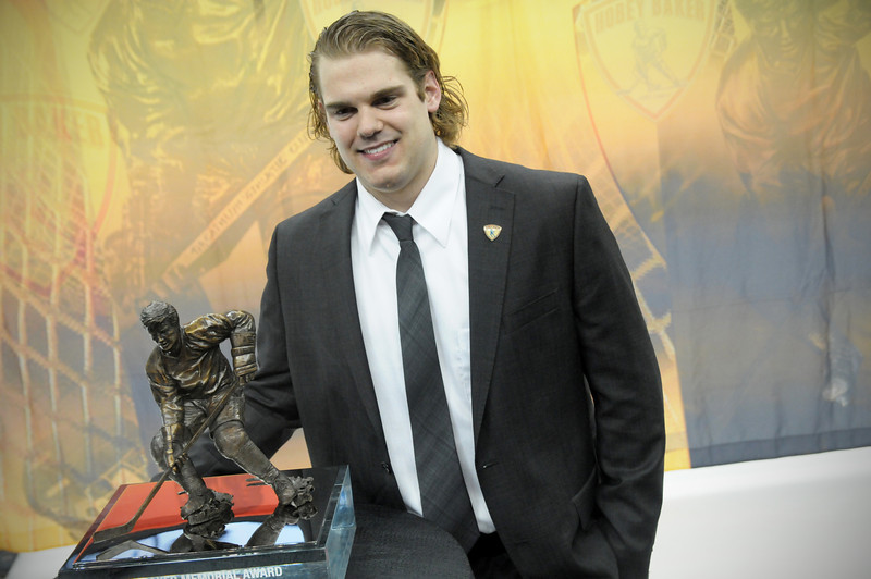 Drew LeBlanc and the Hobey Baker Award.