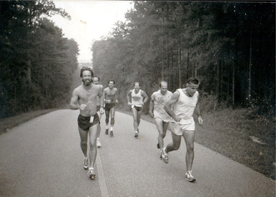 At one of the Twin Sisters hills before mile 4 of the original Pine Run. I think I see Jim Toms, Mike Eakin, Scott Mitchell, Steve Breden, Gene Opheim