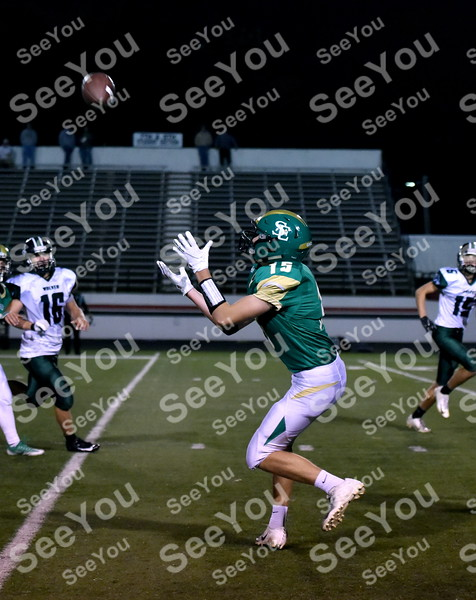 -Messenger photo by Britt Kudla<br /> Drew Schaeffer of St. Edmond makes a catch for a first down against IKM-Manning on Friday