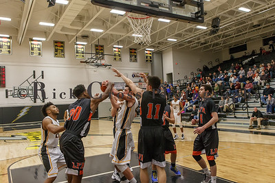 021_GHSBBASK_ LakeForest_012817_3148