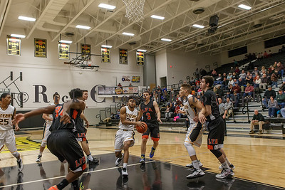 009_GHSBBASK_ LakeForest_012817_3136