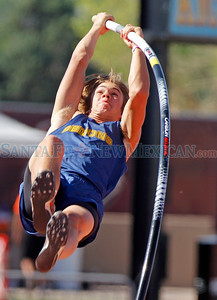 Jeff Sward placed second in pole vault during the State Track and Field Championships at UNM track in Albuquerque, N.M. on May 11, 2012. Photos by Natalie Guillén/The New Mexican