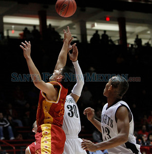 """Arthur """"DINTY"""" Romero Basketball Tip-Off Classic - Española vs. Oñate High School boys basketball game held at the Pit in Albuquerque, N.M. on Nov. 18, 2011.  Natalie Guillén/The New Mexican"""