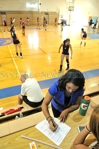 McCurdy  High -vs- Dulce girls varsity volleyball match played at McCurdy, Tuesday, September 18, 2012. Clyde Mueller/The New Mexican