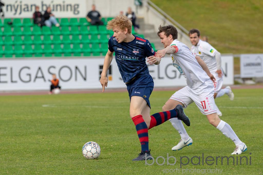 IMAGE: https://photos.smugmug.com/Sports/Games/Vestri-vs-Huginn-Football/i-t897dZd/5/8fdc3935/XL/BP5D9090-XL.jpg