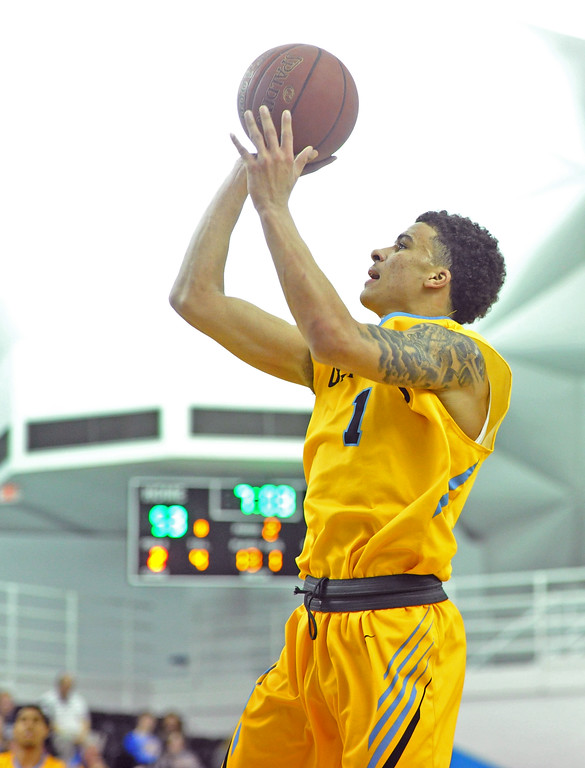 Mike Pruden | The Sheridan Press<br /> Sean Sutherlin shoots a jumper at the Bruce Hoffman Golden Dome Wednesday, Feb. 7, 2018.