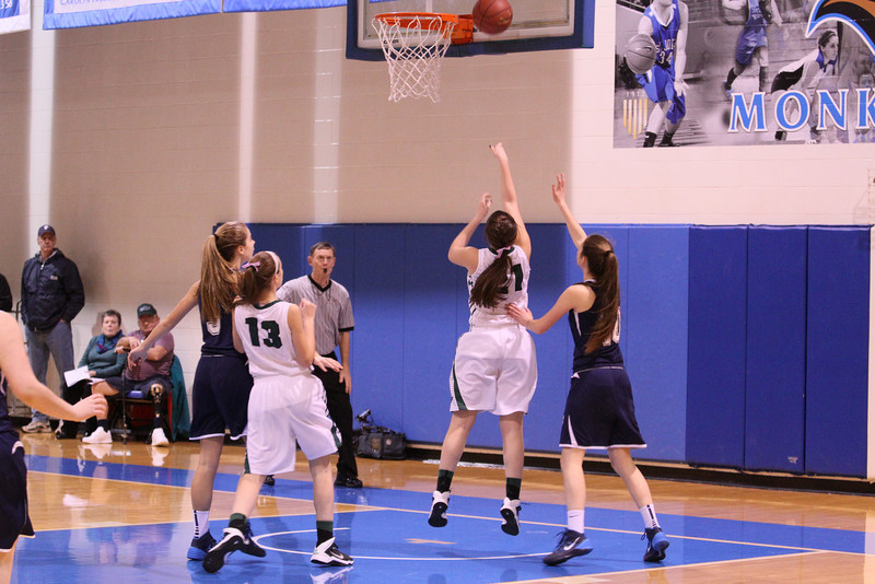 KAITLYNNE BASKETBALL SENIOR YEAR VS PORTLAND AND NOYS REYNOLDS 383