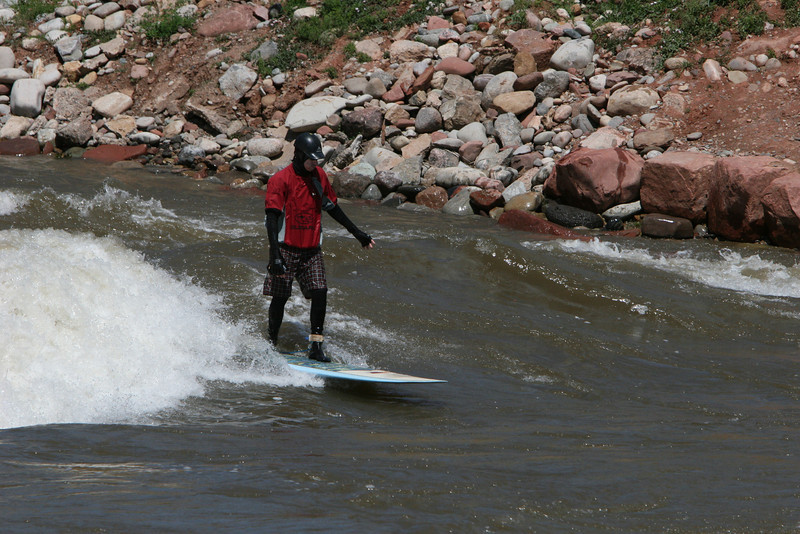 wave riding at glenwood water park