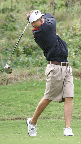 Casey Flenniken of TN Wesleyan tees off at Hole 9 during the VIC Invitational. Photo by Erica Yoon