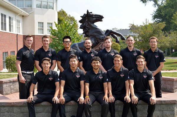 2017-18 Men's Golf Team and Pics