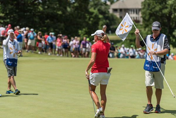 Stacy Lewis waves to fans after finishing the tournament during the 2016 Walmart NW Arkansas Championship presented by P&G at Pinnacle Country Club in Rogers Arkansas on Sunday, June 26, 2016.  (Alan Jamison, Nate Allen Sports Service)
