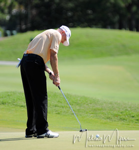 Steve Flesch makes a putt at the 11th hole of the 2009 The Players held May 4-10 in Ponte Vedra Beach, Florida.