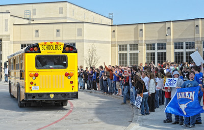 Send-off to Regionals Hirschi Huskies (03-05-2010)