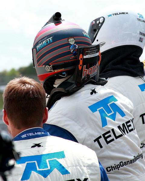 Scott Pruett TELMEX Grand-Am Rolex Sports Car Series driver prepares for driver change at Porsche 250