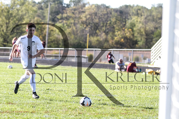 Greenon Boys Varsity Soccer vs NE 9-28-17-0779