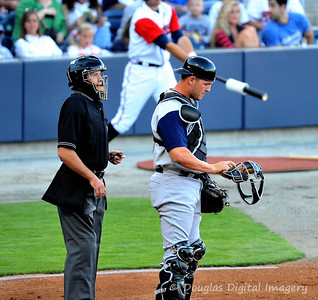 041010gbraves-vs-cltknights034