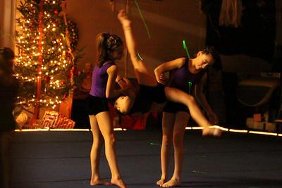 10 12 03 The Gift - Gymnastics-048