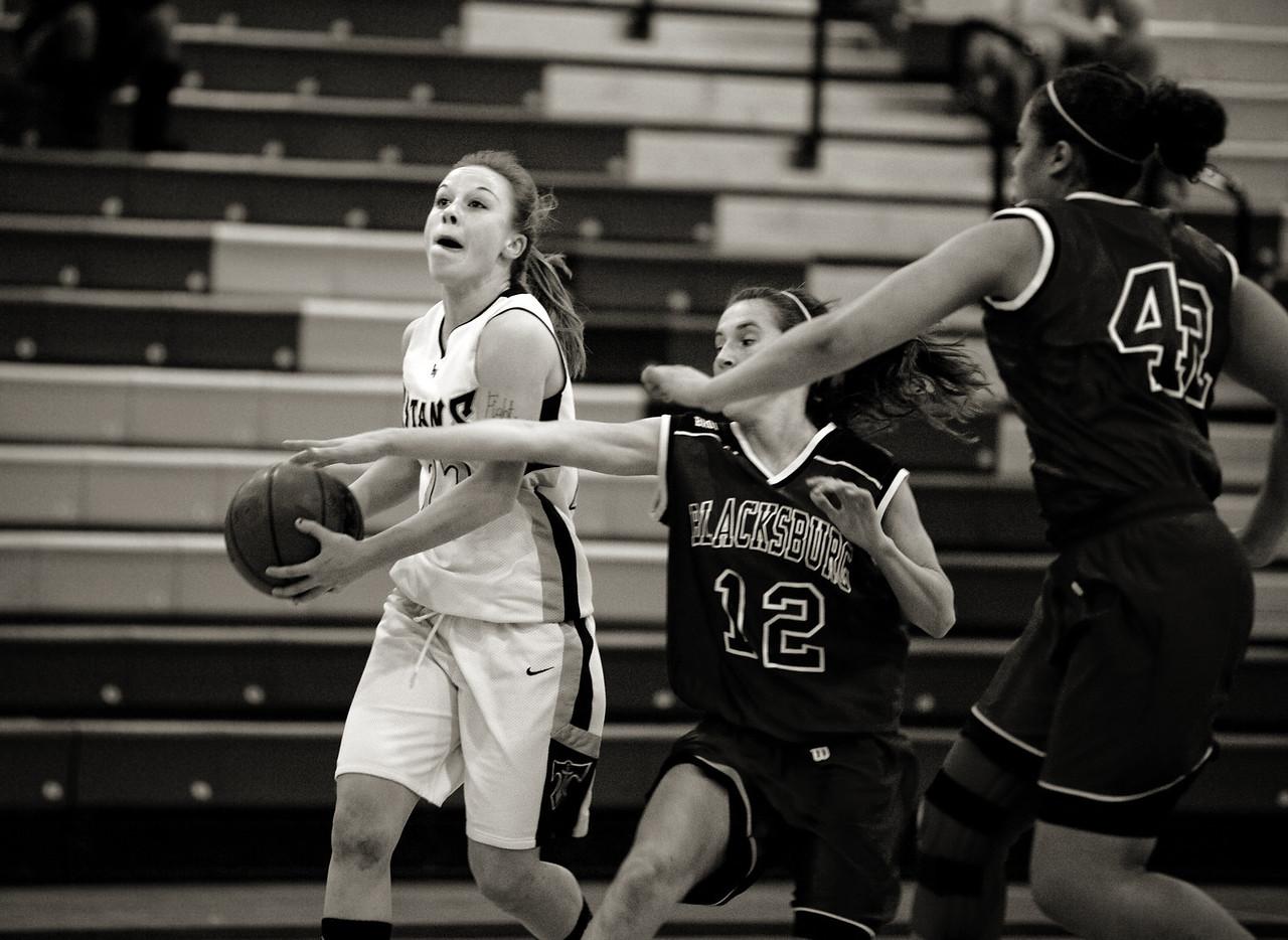 Kelsey Crotty blows by Blacksburg
