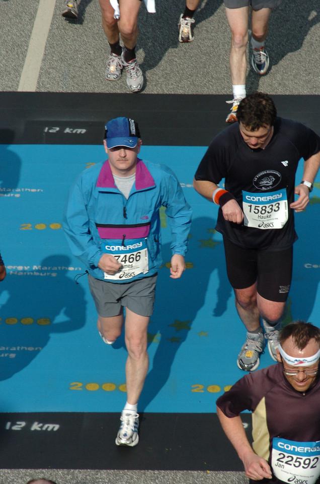 Looking strong at the 12km mark, Hamburg Marathon in Hamburg, Germany - April 2006
