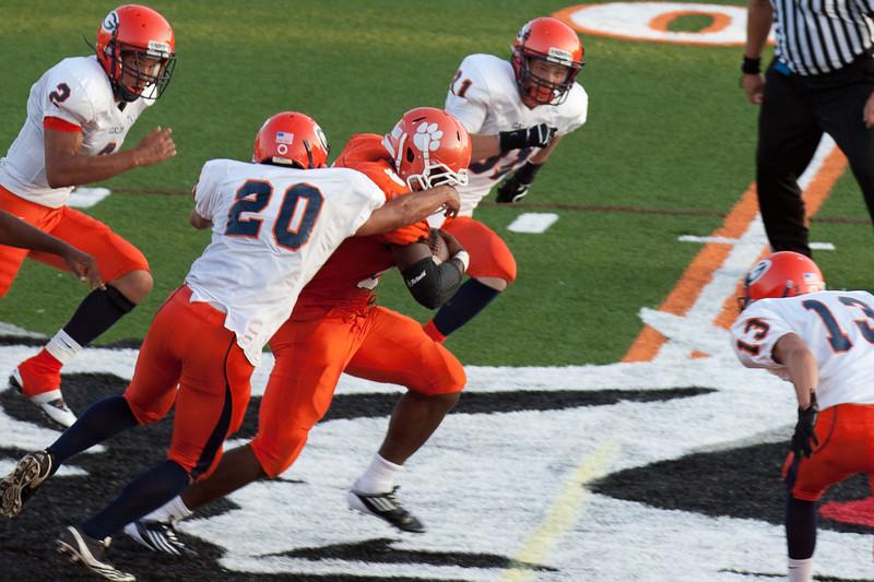 MG_Varsity_Football_-_08-26-2011_-_Photo_002