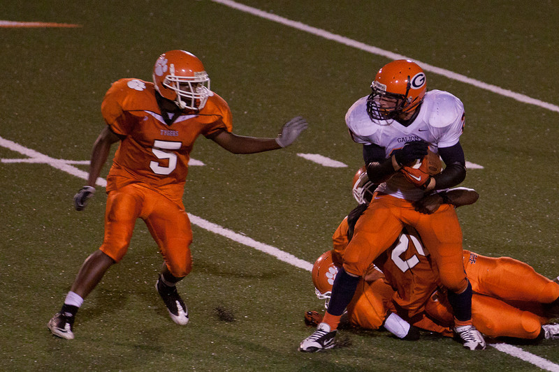 MG_Varsity_Football_-_08-26-2011_-_Photo_076