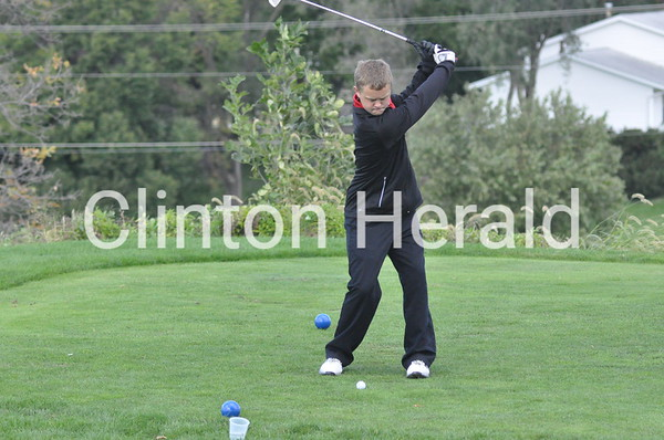 Clinton at Iowa regional golf tournament (10-6-14)