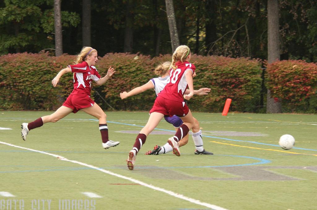 IMG4_14193_1 Lauren goal NHSS Soccer gmp