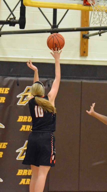 . Paul DiCicco - The News-Herald North�s Valerie Arnold with an easy layup.