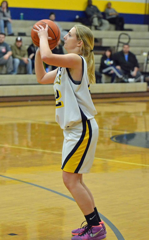 . Paul DiCicco - The News-Herald Wickliffe�s Hannah Levon shooting from the outside.
