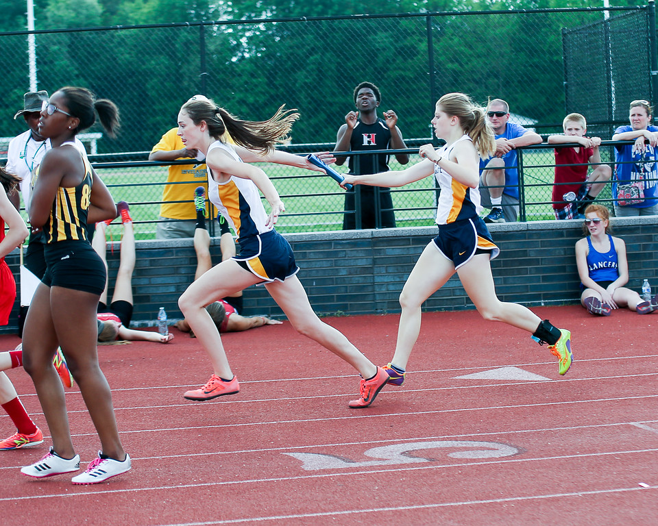 . Coleen Moskowitz - The News-Herald The Wickliffe 4x200 relay.