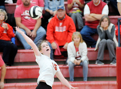 Don Knight | The Herald Bulletin Frankton faced Wabash in the volleyball regional at Taylor High School on Saturday.