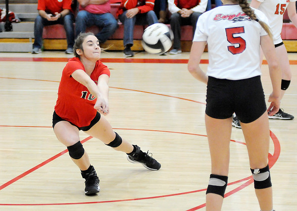 Don Knight   The Herald Bulletin<br /> Frankton faced Wabash in the volleyball regional at Taylor High School on Saturday.
