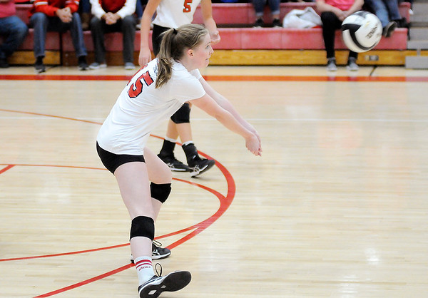 Don Knight | The Herald Bulletin<br /> Frankton faced Wabash in the volleyball regional at Taylor High School on Saturday.