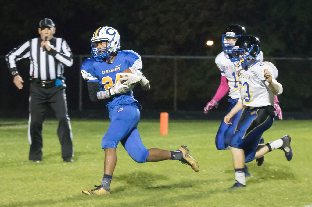. Jen Forbus - The Morning Journal<br> Brooklyn\'s defense can\'t keep up with Clearview wide receiver Kash Warren (24) who easily scores on a pass from Anthony Terry on Oct. 27.