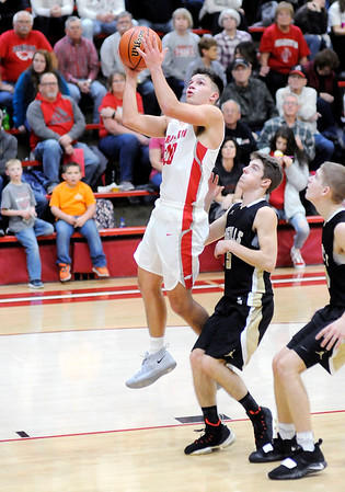 Don Knight   The Herald Bulletin<br /> Frankton hosted Madison-Grant on Friday.