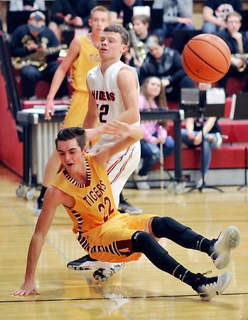 John P. Cleary |  The Herald Bulletin<br /> Alexandria vs Wapahani in boys basketball.