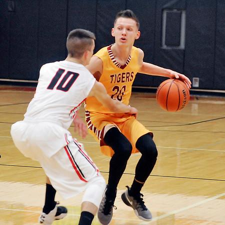 John P. Cleary    The Herald Bulletin<br /> Alexandria vs Wapahani in boys basketball.